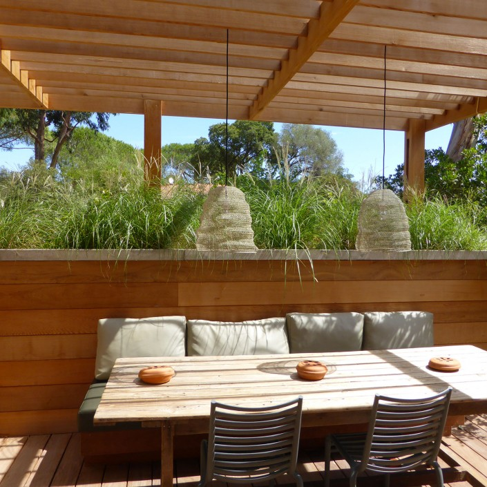Calitu : terrasse, coin repas