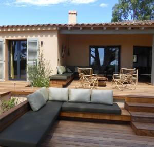 Calitu : terrasse, coin salon