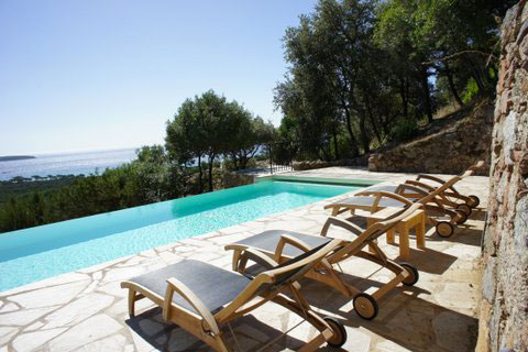 Capu Di Monti : piscine, vue sur mer