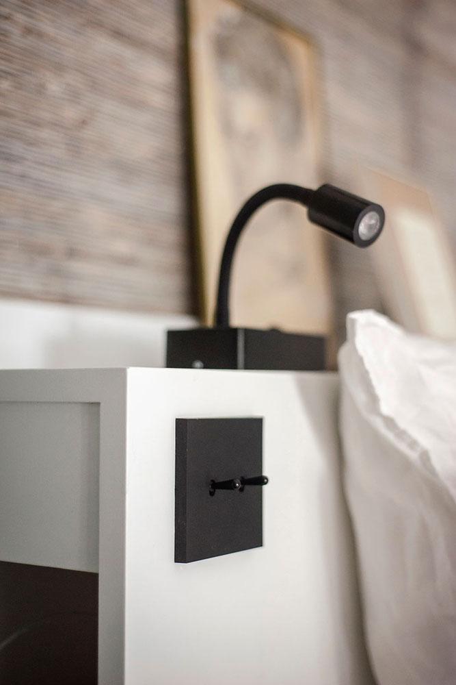 Doumer, Paris 16e : chambre parents, détail lampe de chevet