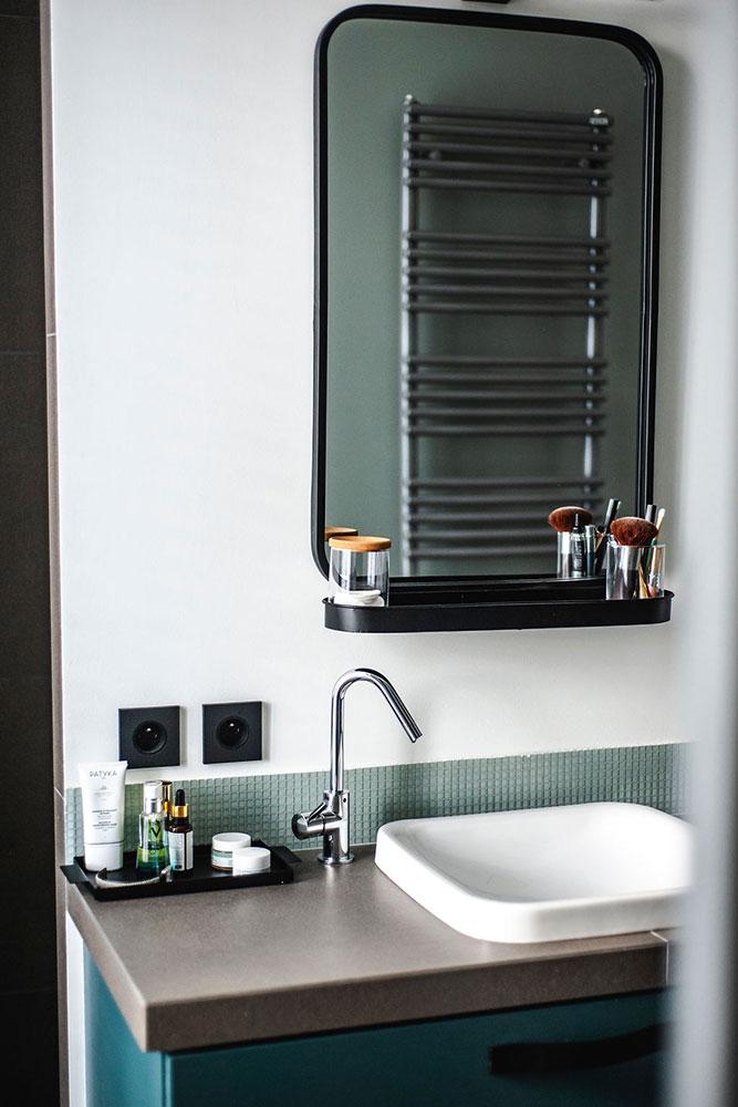 Doumer, Paris 16e : salle de bain, miroir vasque