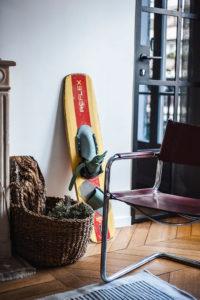 Doumer, Paris 16e : salon, détail objets déco