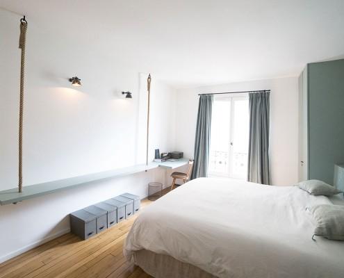Paris 7e, quartier du Bon Marché : chambre double, vue 2